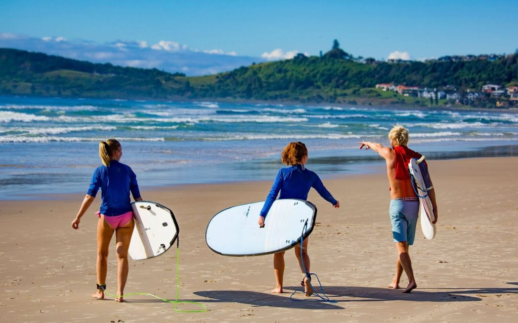 6 Amazing Surfing Places in Byron Bay